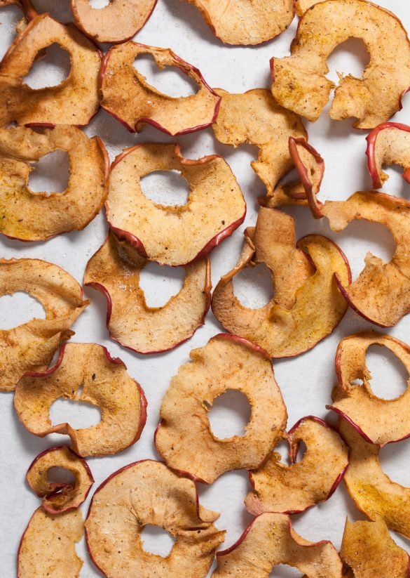 Vegan Spiced Apple Crisps