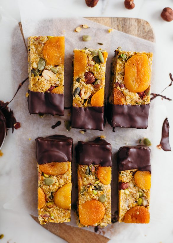 Vegan Raw Apricot Energy Bars