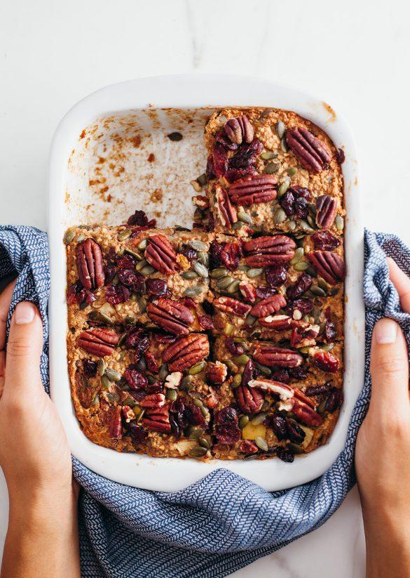 Vegan Apple Pie Oatmeal Bake Recipe