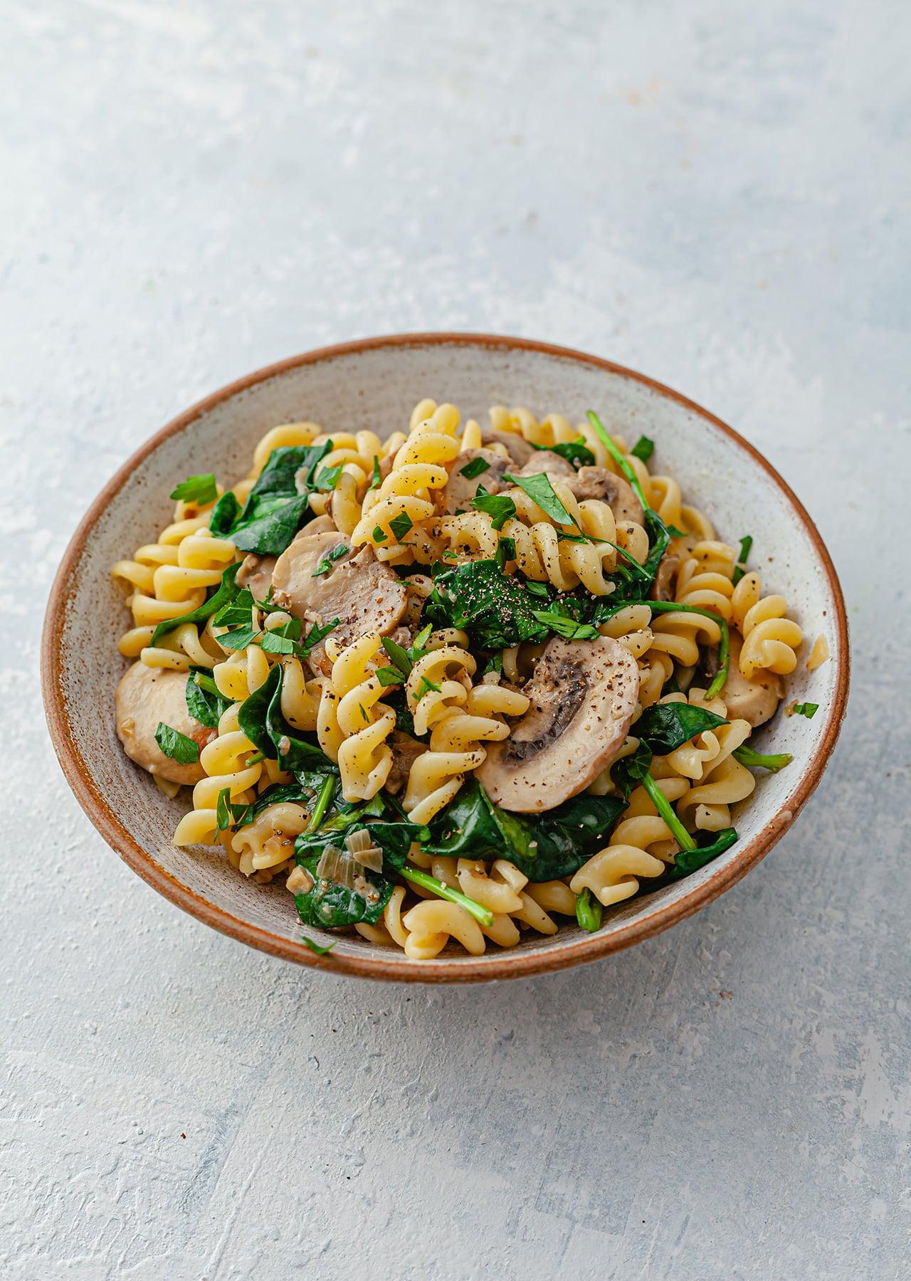 Vegan One Pot Mushroom Spinach Pasta Recipe