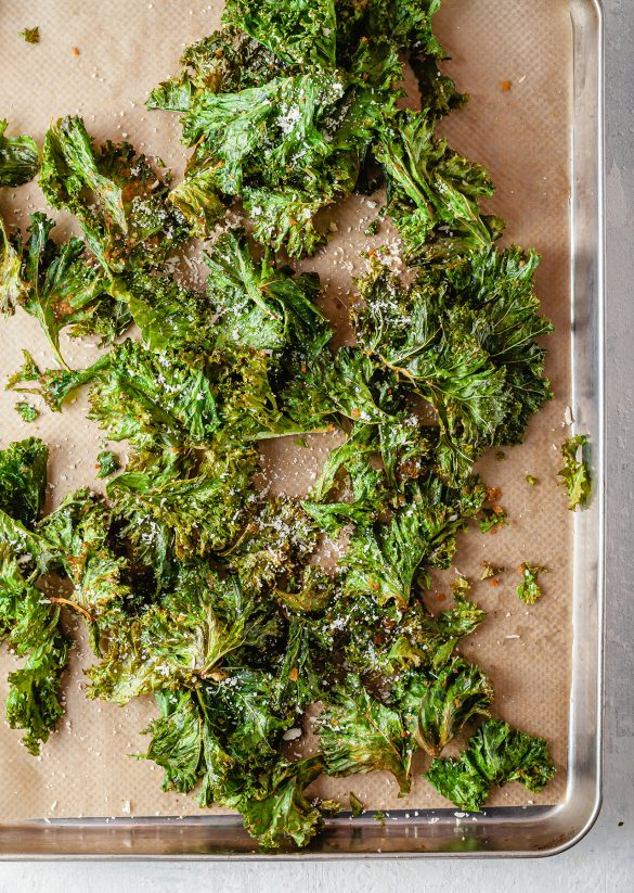 Vegan Cheesy Crunchy Kale Crisps Recipe