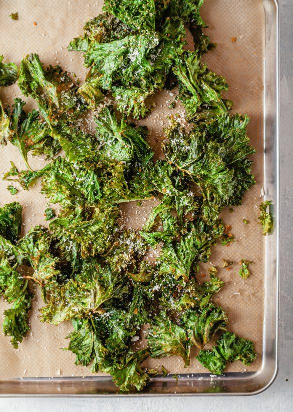Vegan Cheesy Crunchy Kale Crisps Recipe