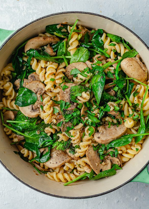 Vegan One Pot Mushroom Spinach Pasta Recipe